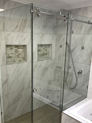 sliding frameless shower screen